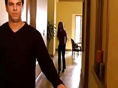 Oye, videos de sexo casero infraganti en el armario frente a Max.