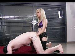 Sexy shyla juega en el coño al mismo tiempo pilladas caseras gratis