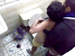 La asiática toca sus tetas videos sexo casero pillados y luego crucifica.