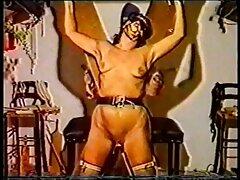 La videos de sexo casero infraganti pequeña muñeca fue violada.