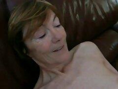 La malvada madre le salpicó videos caseros de pilladas de esperma.
